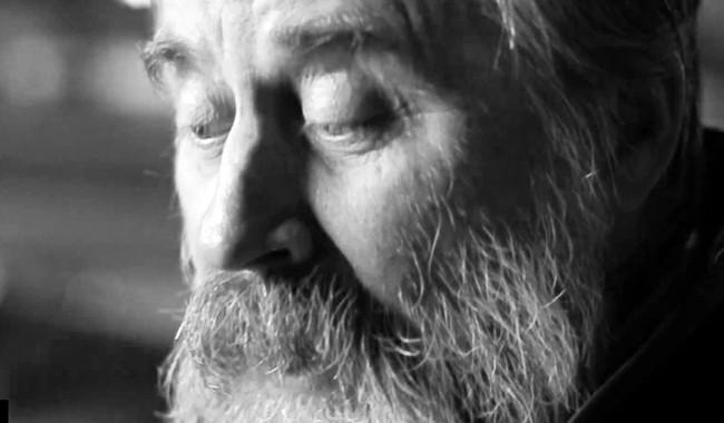 Поет Олег Лишега